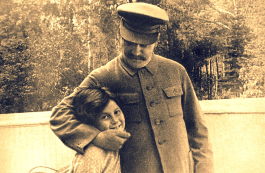 stalin-and-daughter